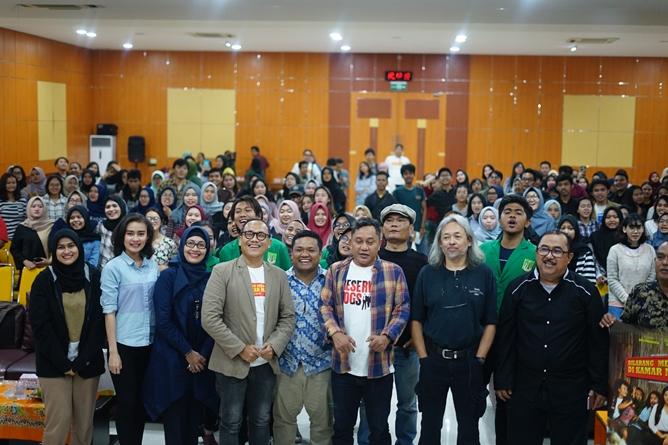 """FISIP Unas-Himaya Studio Lakukan Diskusi Panel Film """"Dilarang Menyanyi Dikamar Mandi"""""""